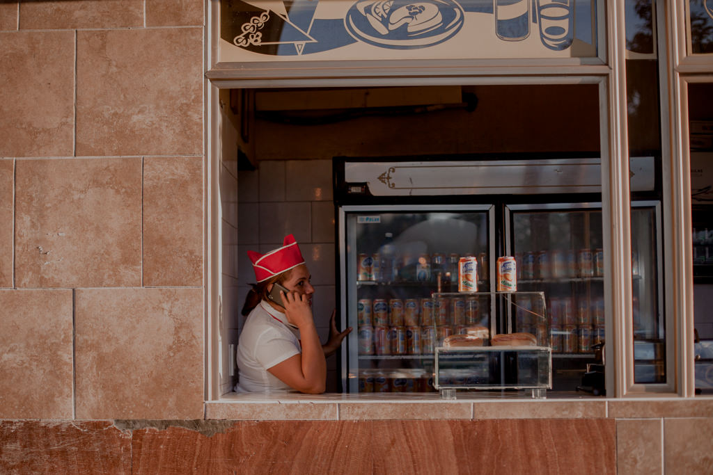 Okienka z jedzeniem na Kubie