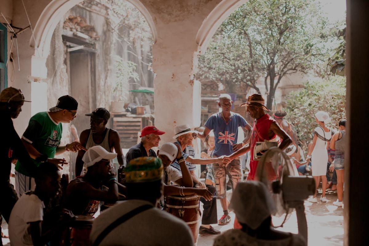 Wyspa Kuba i Kubańczycy - afrykańska santeria