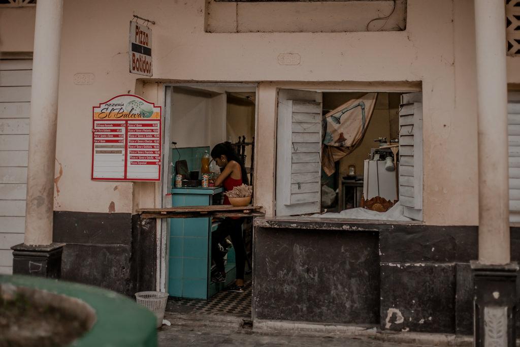 Kuba - jedzenie, sklepy, okienka na wyspie