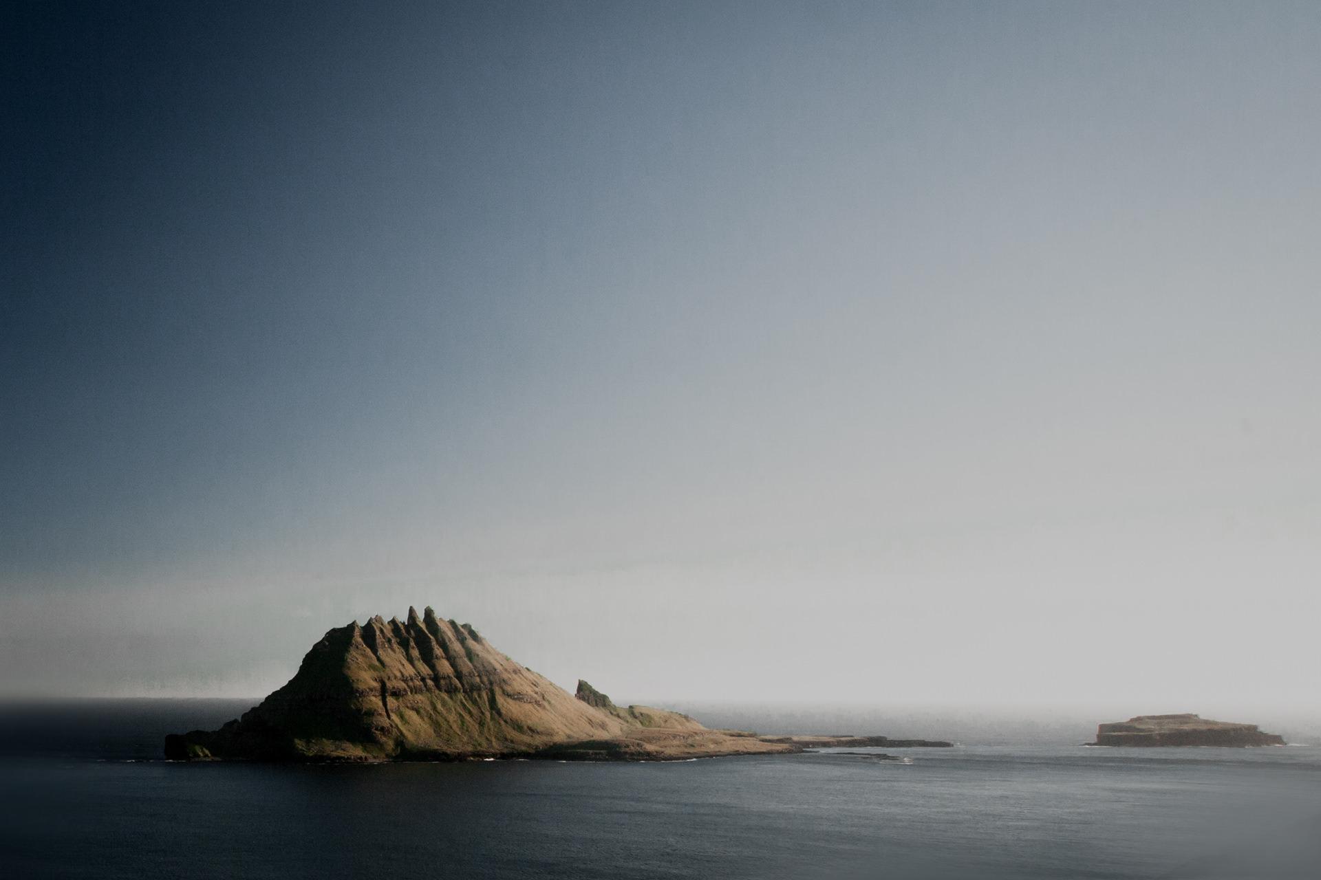 Tindholmur na Wyspach Owczych. Przepiękne krajobrazy