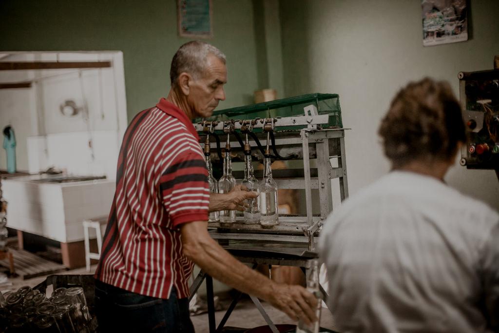Biały rum - fabryka rumu na Kubie