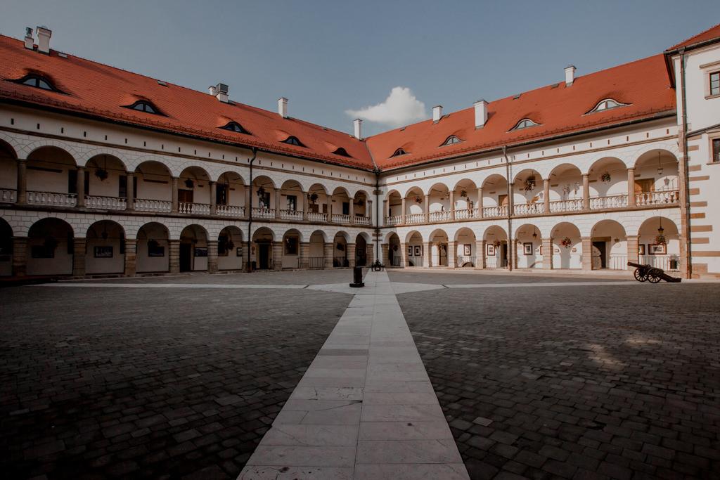 Zamek w Niepołomicach - zdjęcia