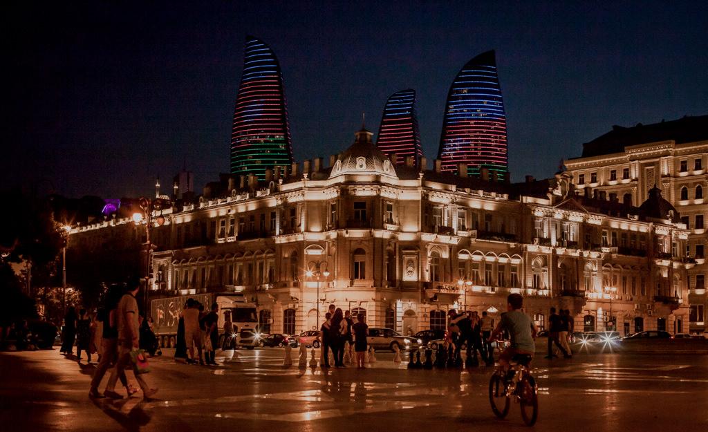 Ogniste wieże w Baku