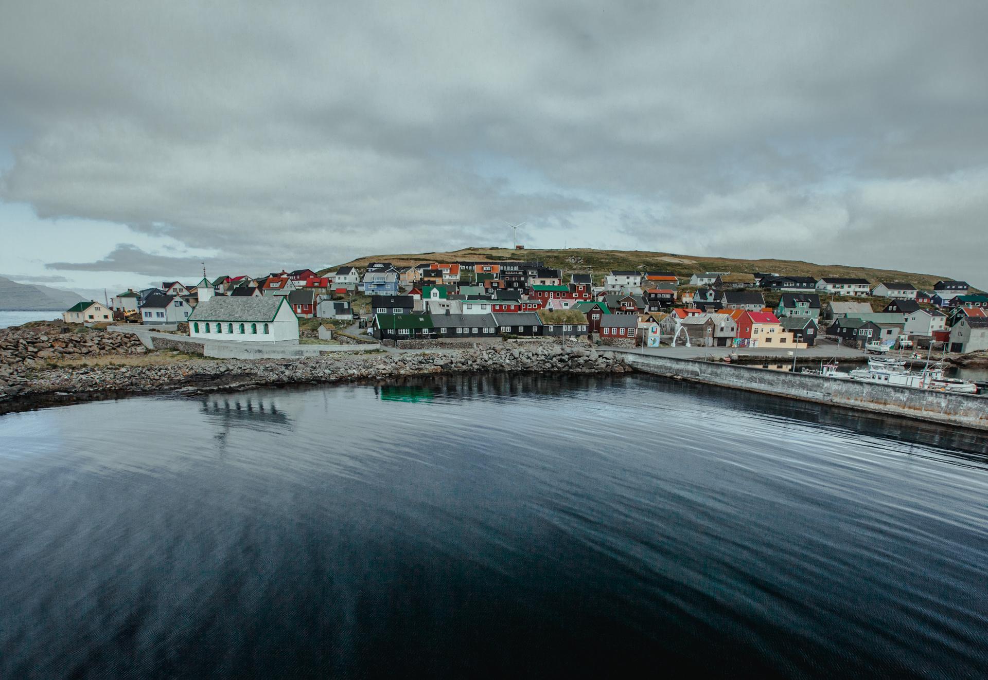 Niezwykłe Wyspy Owcze. Torshavn i Nosloy