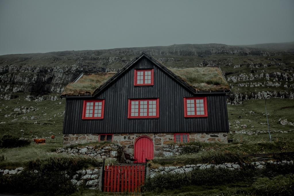 Tajemnicze miejsca na świecie - Torshavn oraz Kirkjubour