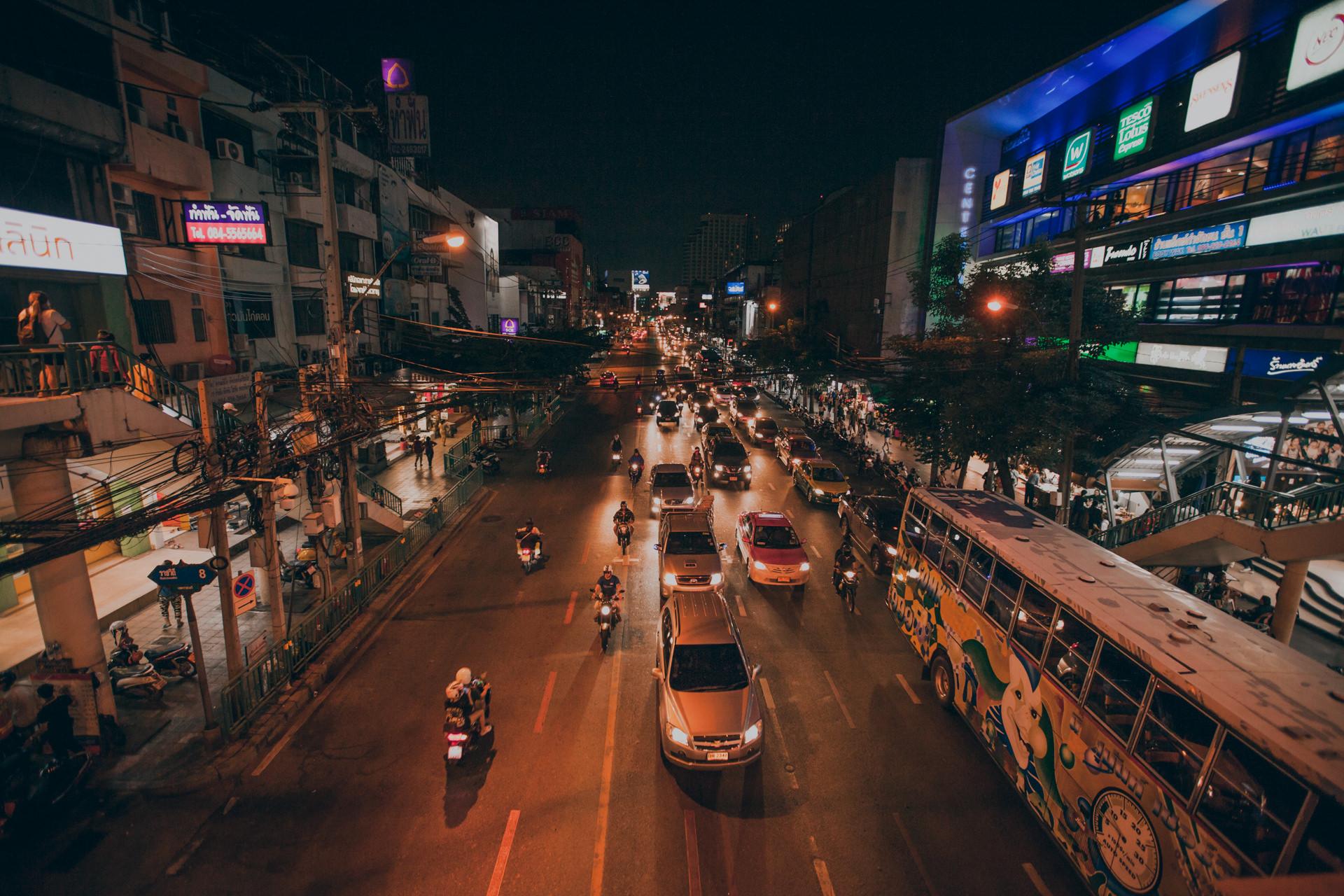 Tajlandia - Bangkok, poruszanie się po Tajlandii. Pociągi, informacje praktyczne, transport