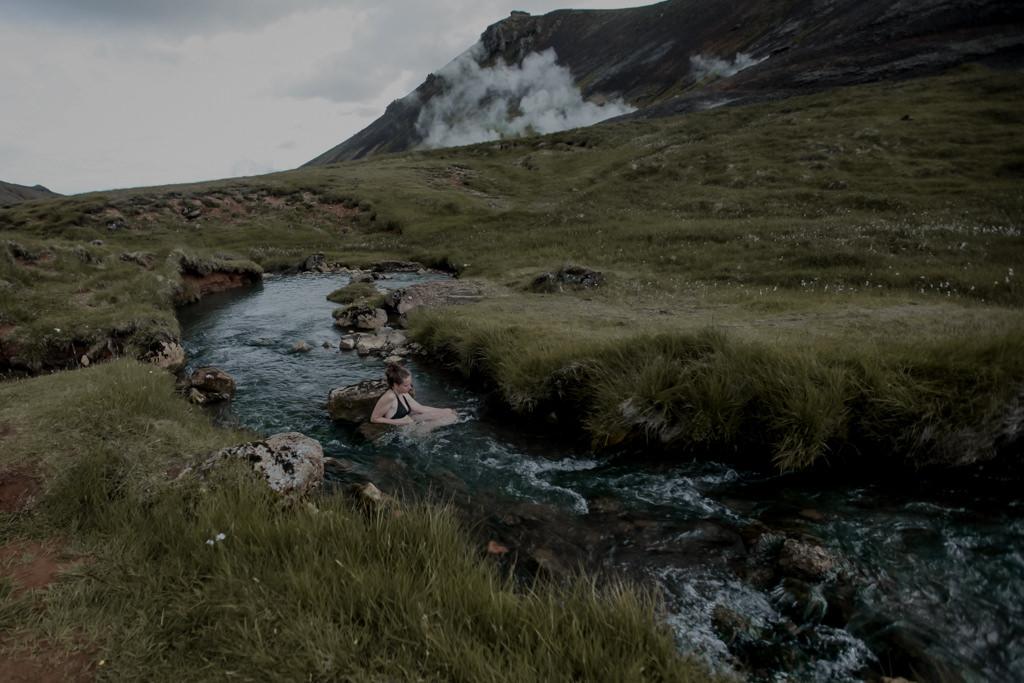 Islandia - gorąca rzeka, baseny geotermalne