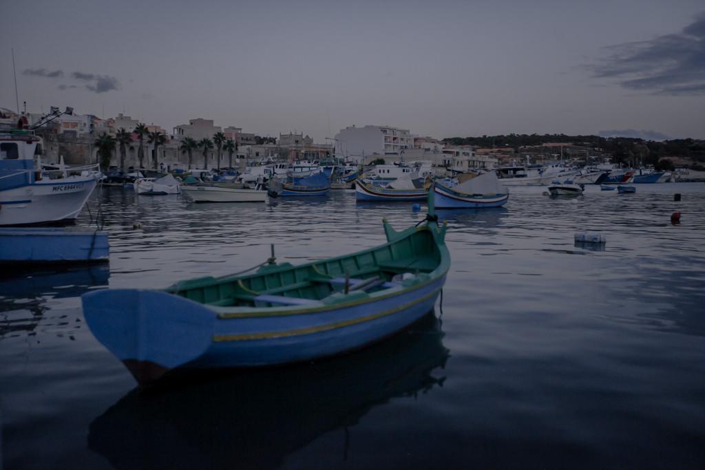 Malta, co warto zobaczyć? Kolorowe łódki