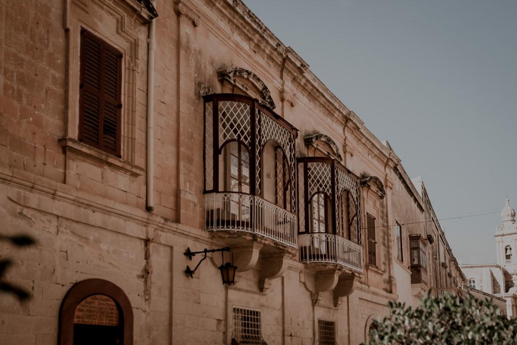 Zabytkowe balkony w Mdinie, Malta