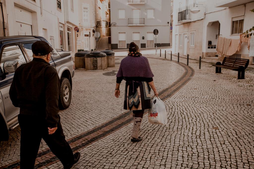 Tradycje w Portugalii. Nazare i tradycyjne stroje żon rybaków