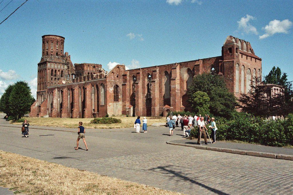 Zniszczona katedra w Kaliningradzie.